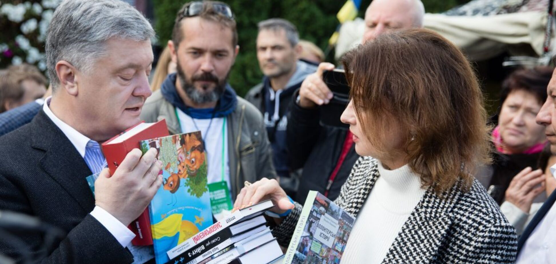 'Це фантастична українська і патріотична атмосфера': Порошенко відвідав книжковий форум у Львові