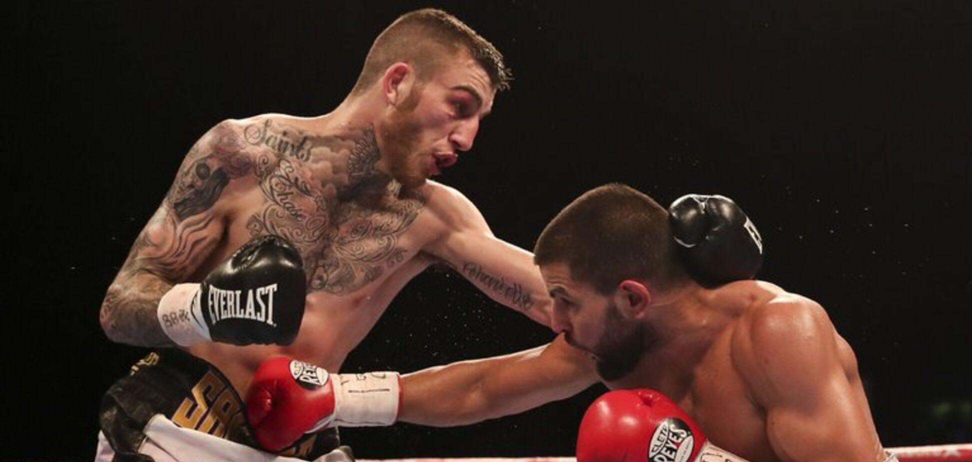 Британский боксер жестко забил чемпиона и взял титул - видео нокаута