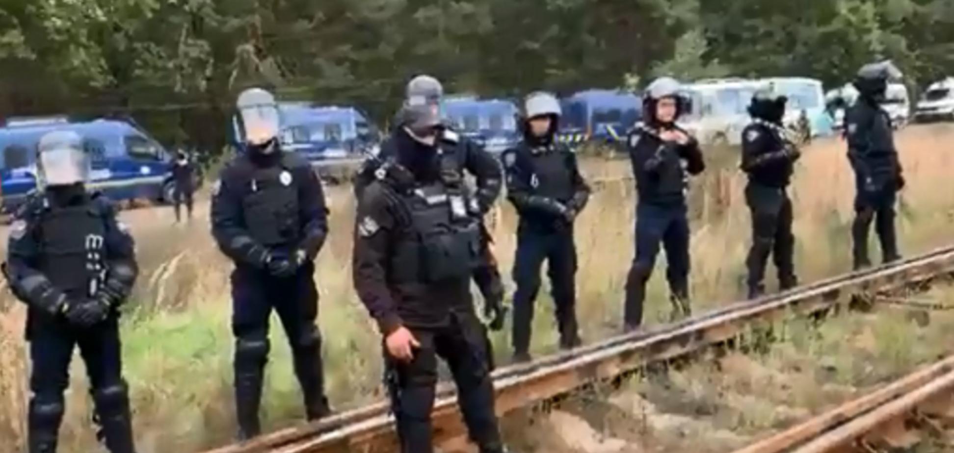 На Львівщині поліція розігнала учасників блокади російського вугілля: з'явилося відео