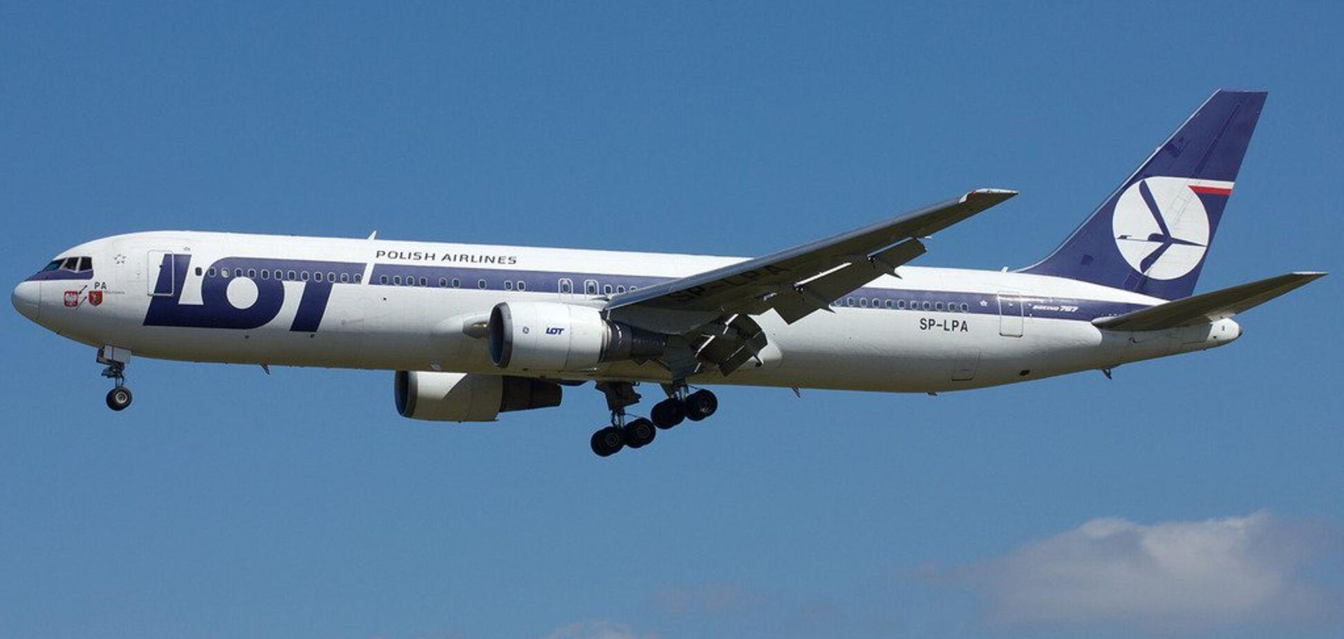 Не мог сесть: в Одессе произошло ЧП с пассажирским самолетом