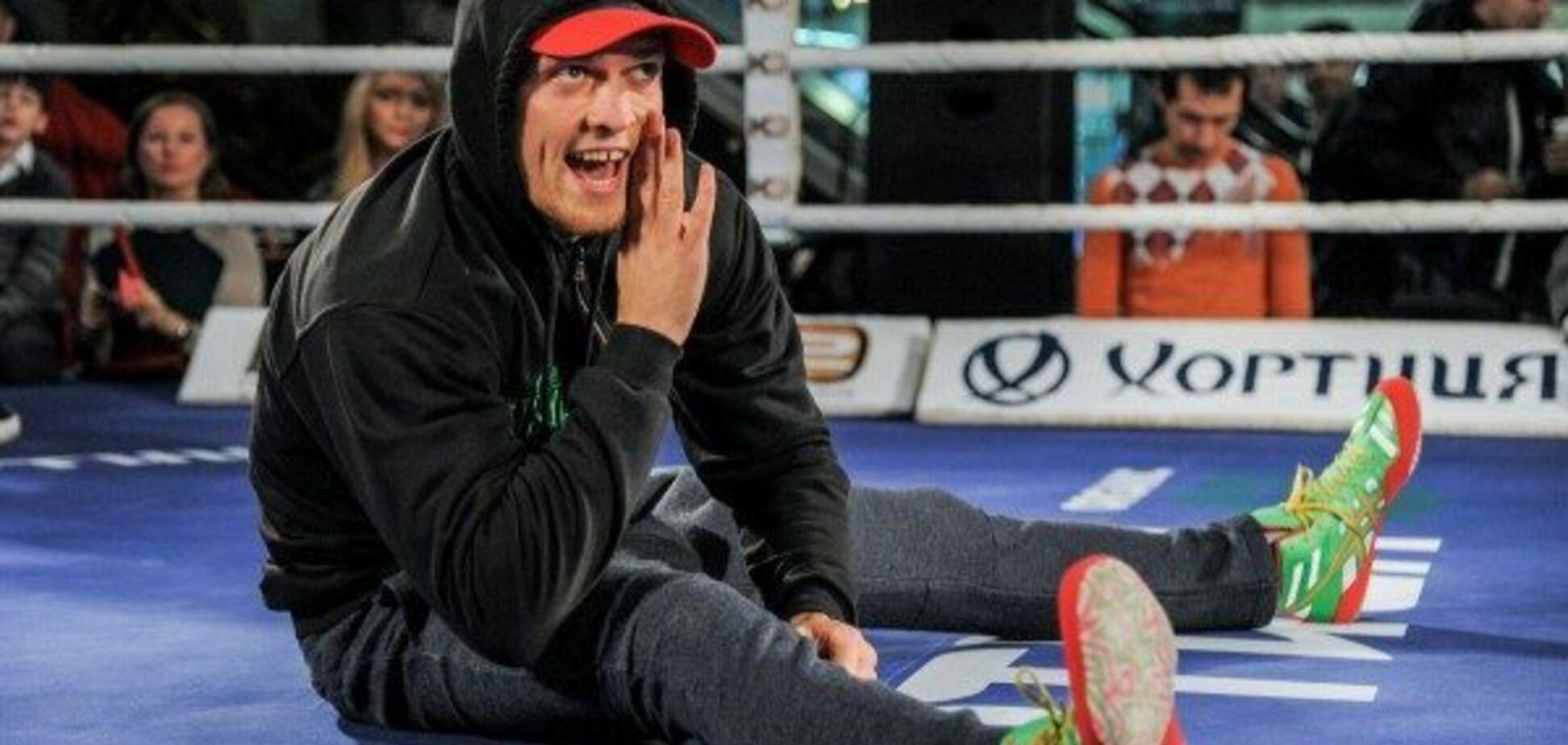 Сильнейший боксер России столкнулся с Усиком на тренировке - фотофакт