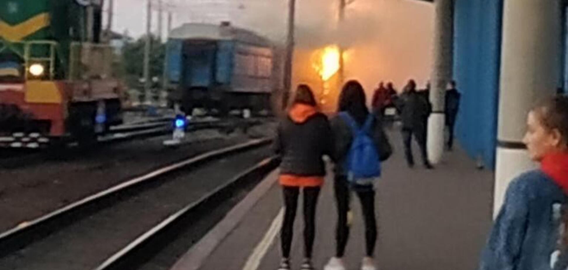 У Вінниці загорівся пасажирський потяг: подробиці та фото НП