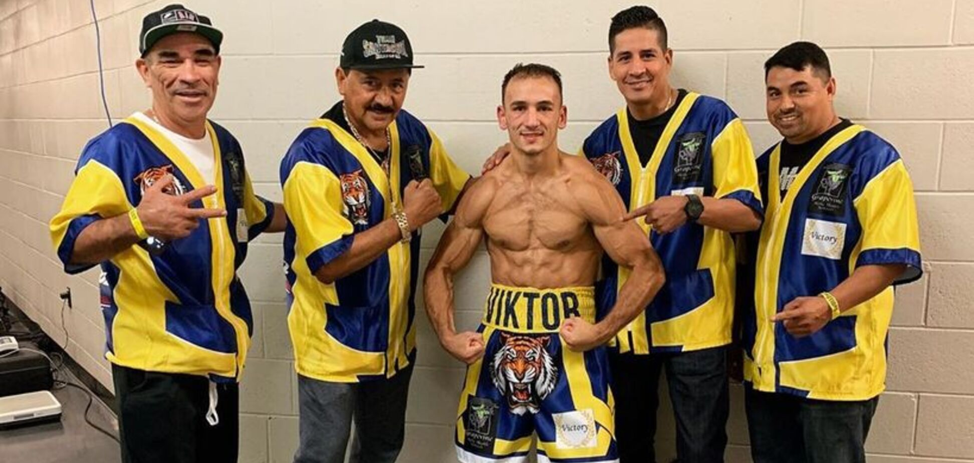 Непереможний український боксер виграв бій потужним нокаутом - опубліковано відео