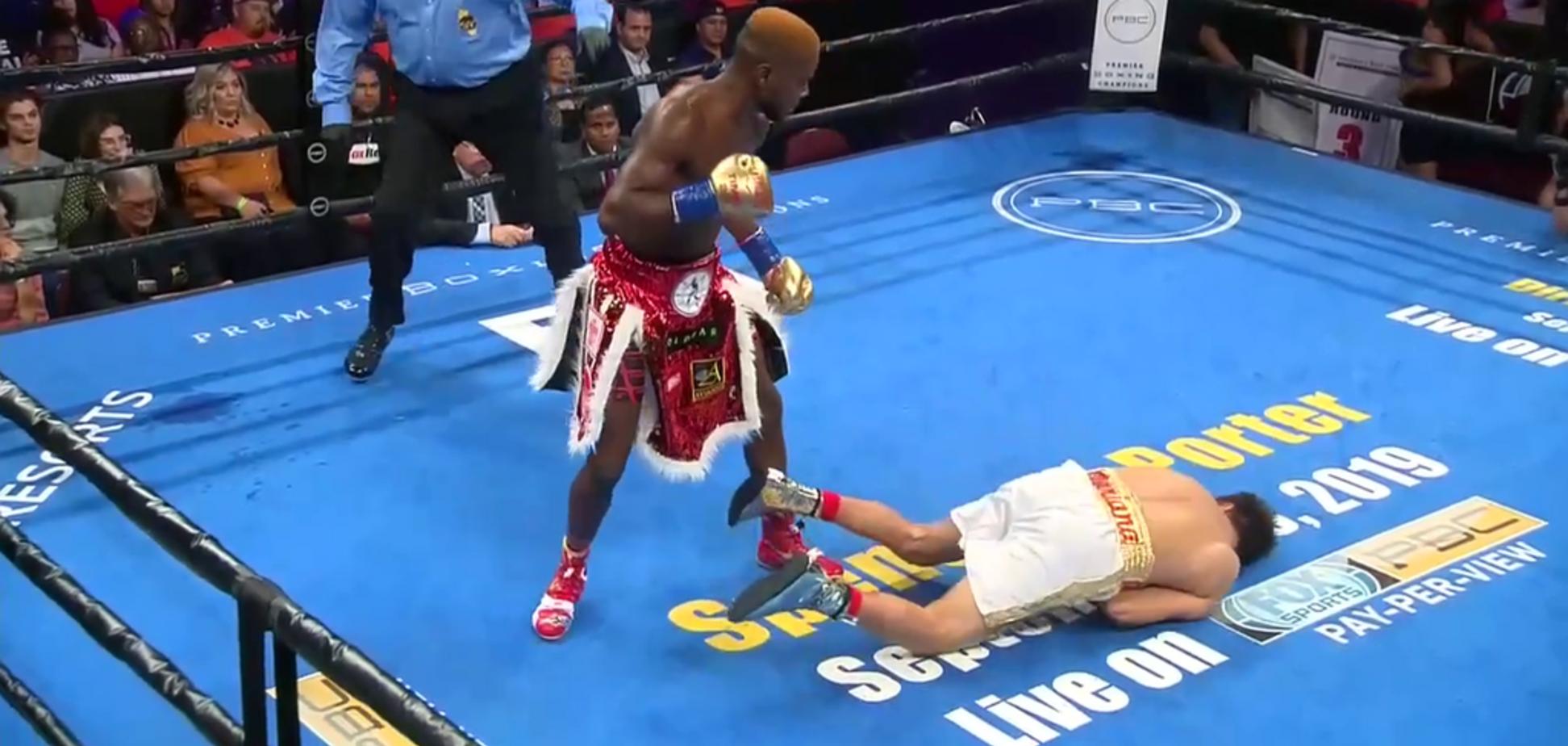 Непобедимый боксер отправил соперника в жуткий нокаут