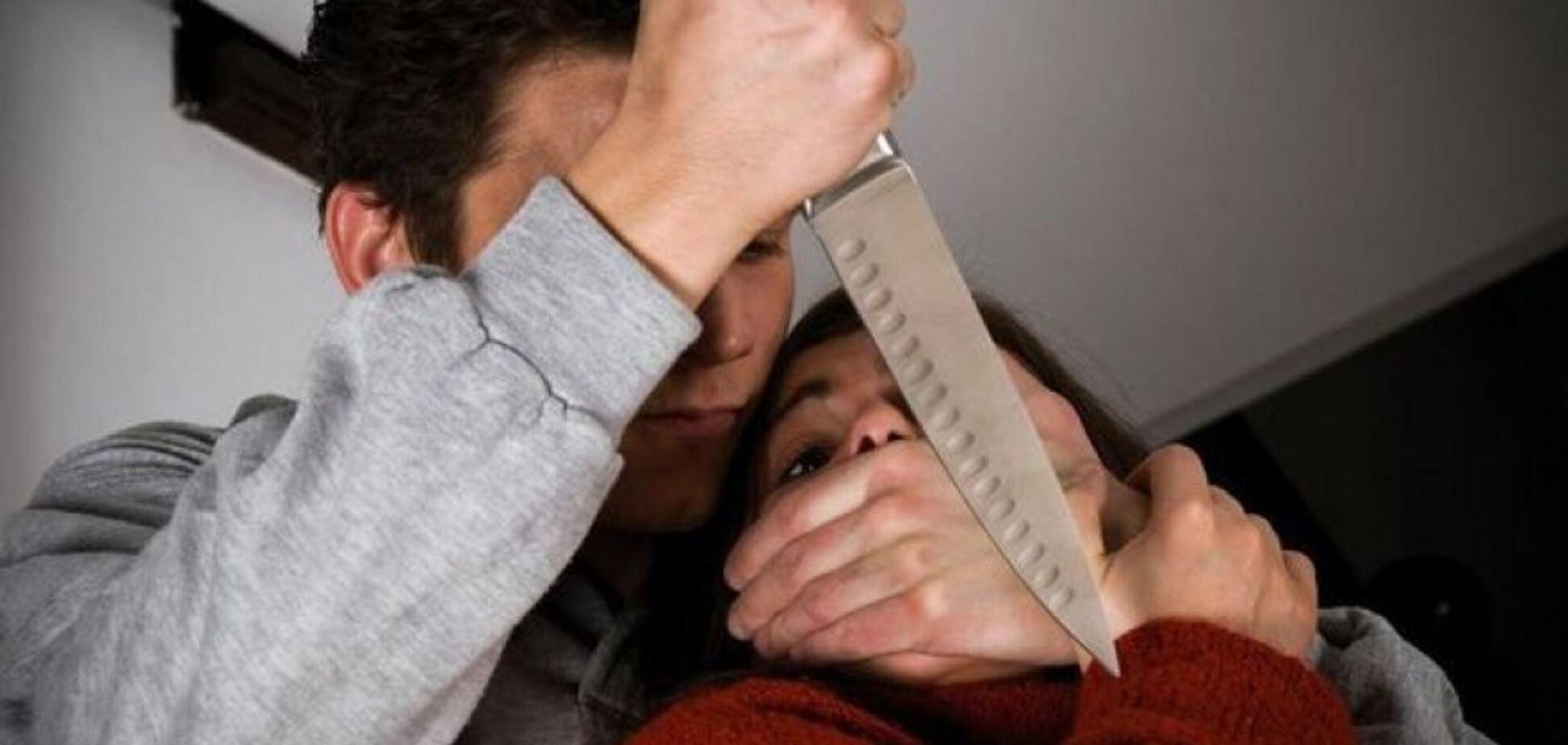 У Дніпрі чоловік всадив ножа в груди власній дружині