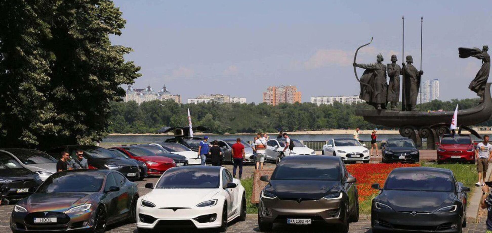 В России увидели 'зраду' в увеличении количества электрокаров в Украине