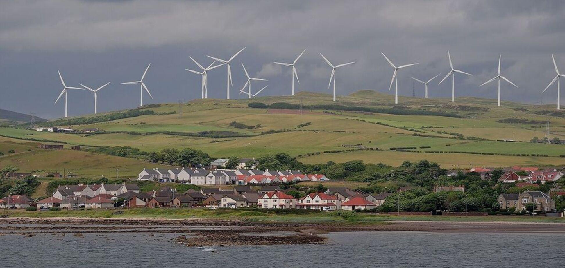 Европейская страна полностью перейдет на возобновляемую энергию: названы сроки