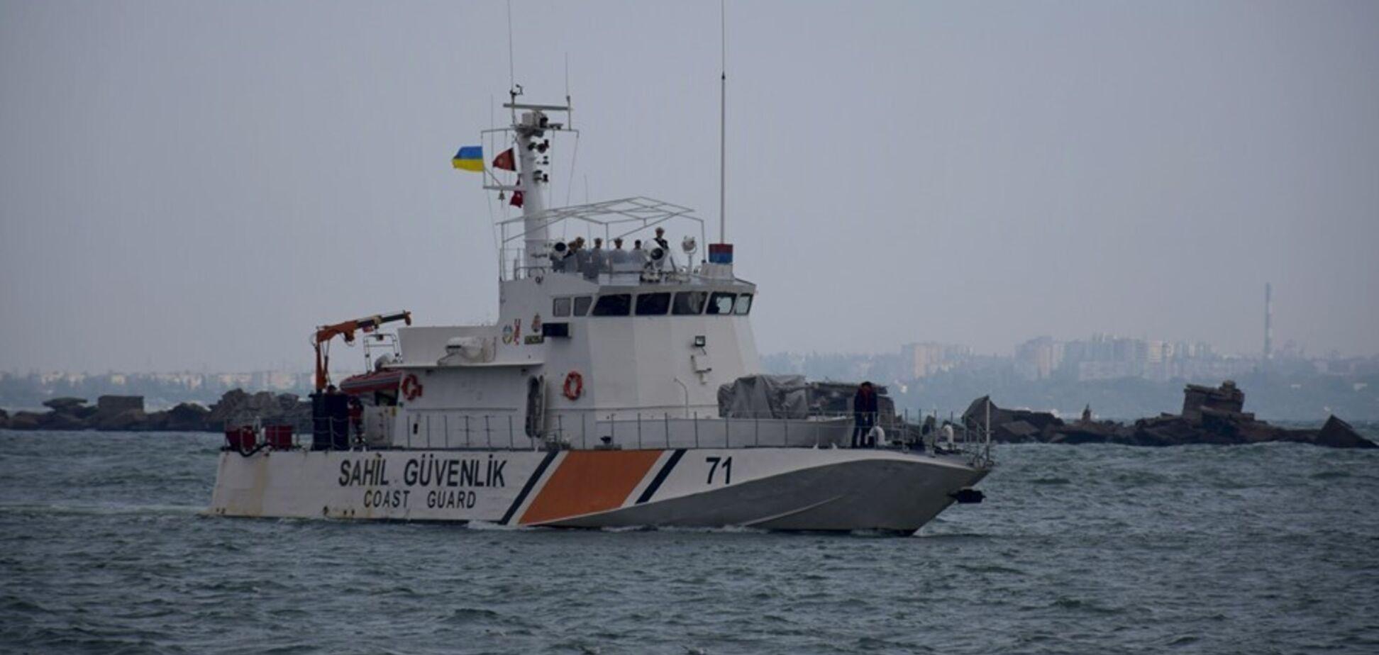 В Одесу зайшов іноземний військовий корабель: що відбувається