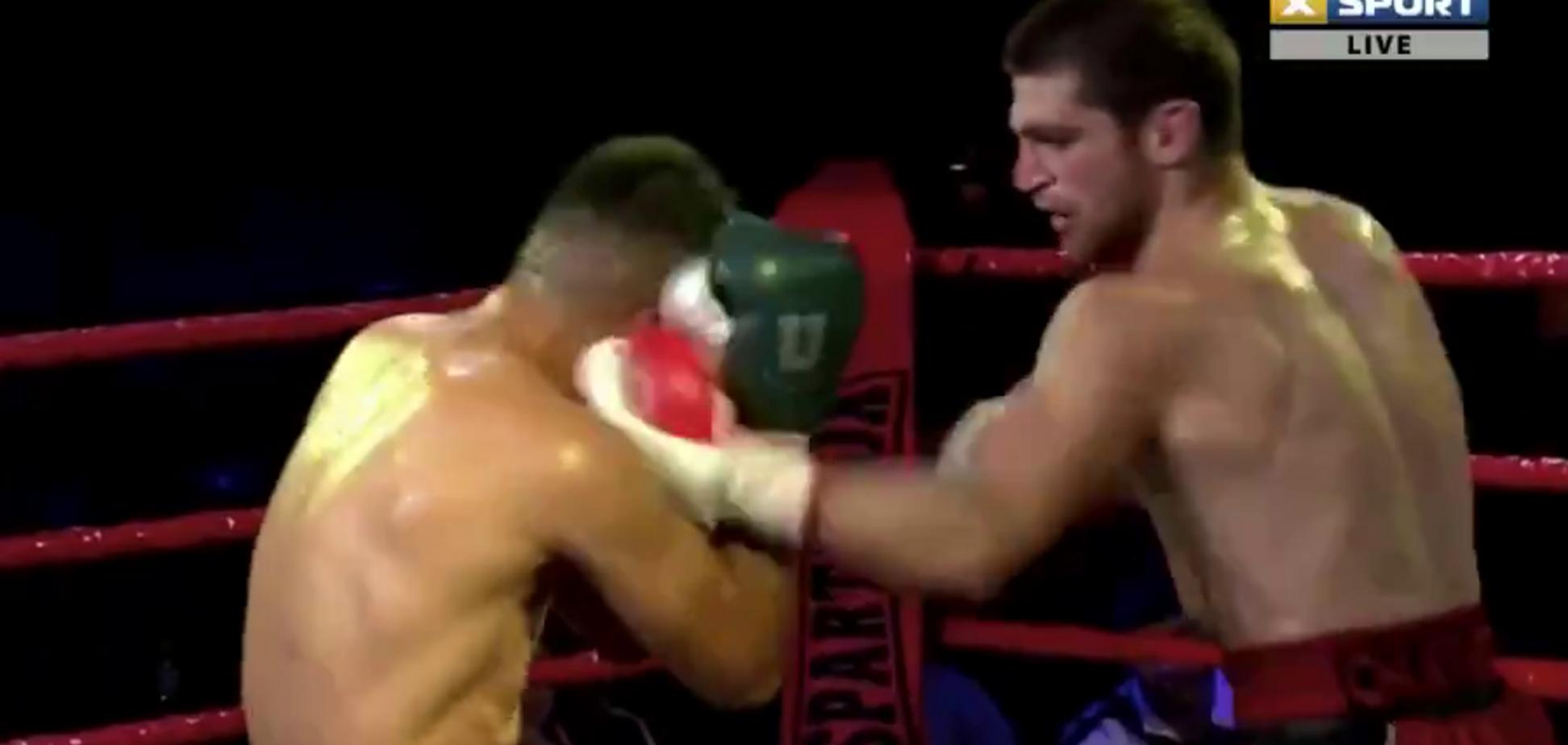 Украинский чемпион забил мексиканского боксера в Киеве - опубликовано видео