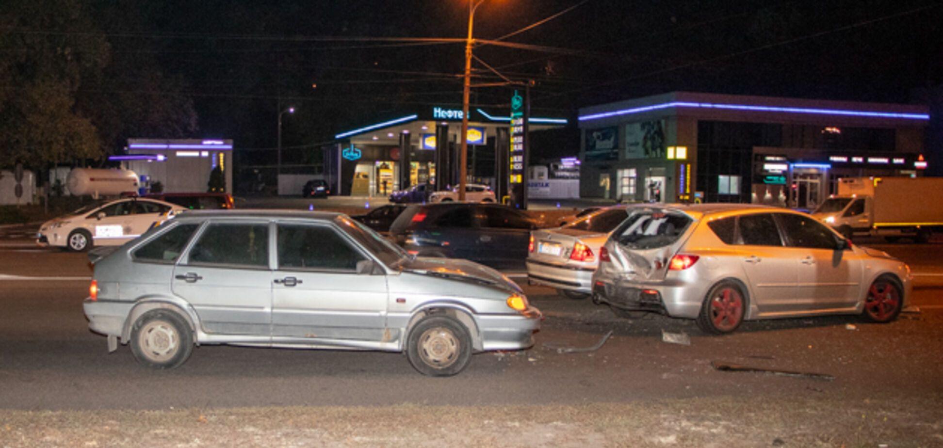 У Дніпрі зіштовхнулися 4 авто: постраждали діти