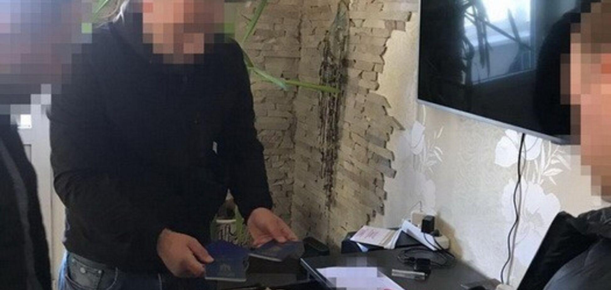 Захоплювали землі і заводи: в Києві накрили угруповання хакерів-рейдерів
