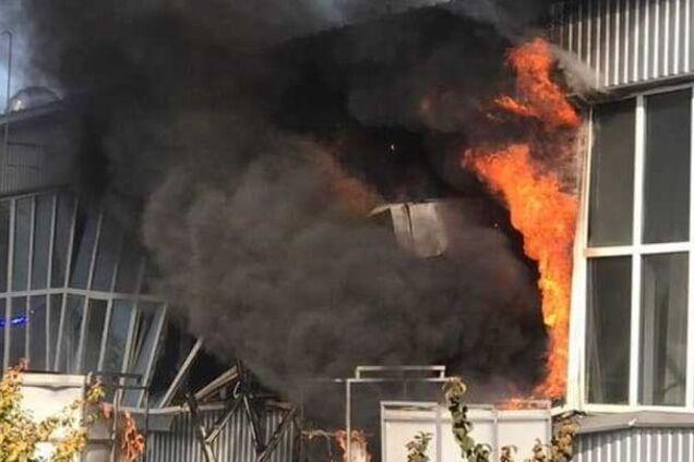Пожежа на заводі в Сумах