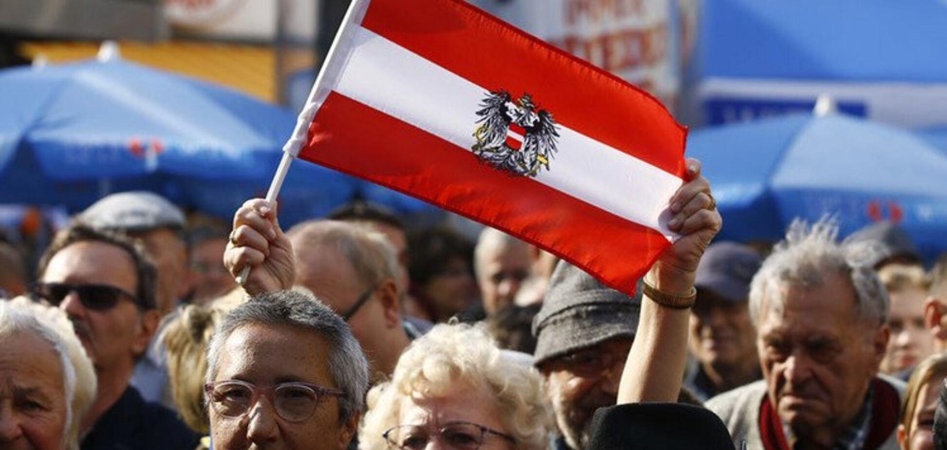 Австрия выбирает новый парламент после скандала с Россией