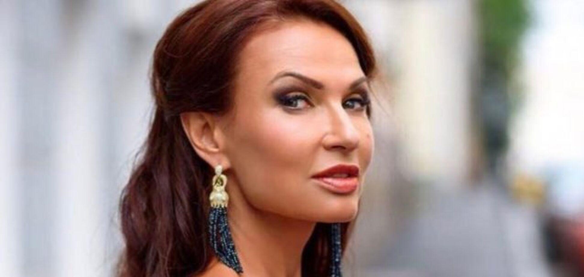 'Ого, як еротично!' 50-річна російська зірка показала пишні груди