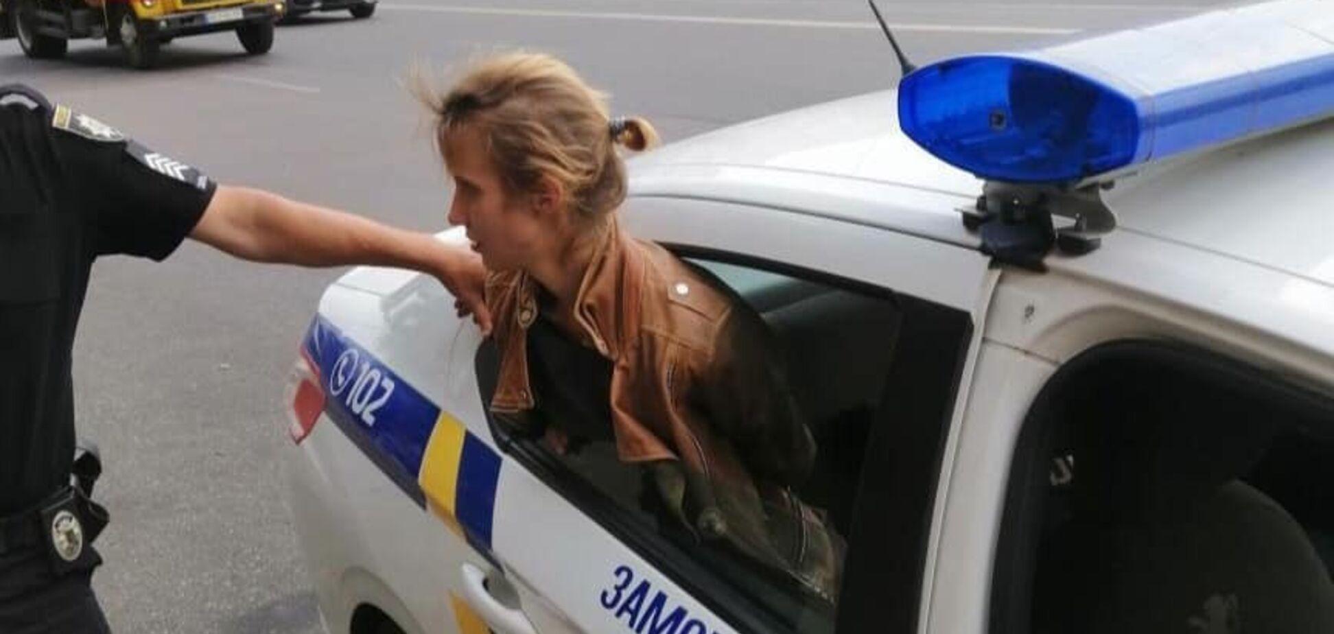 Злодійка у авто правоохоронців