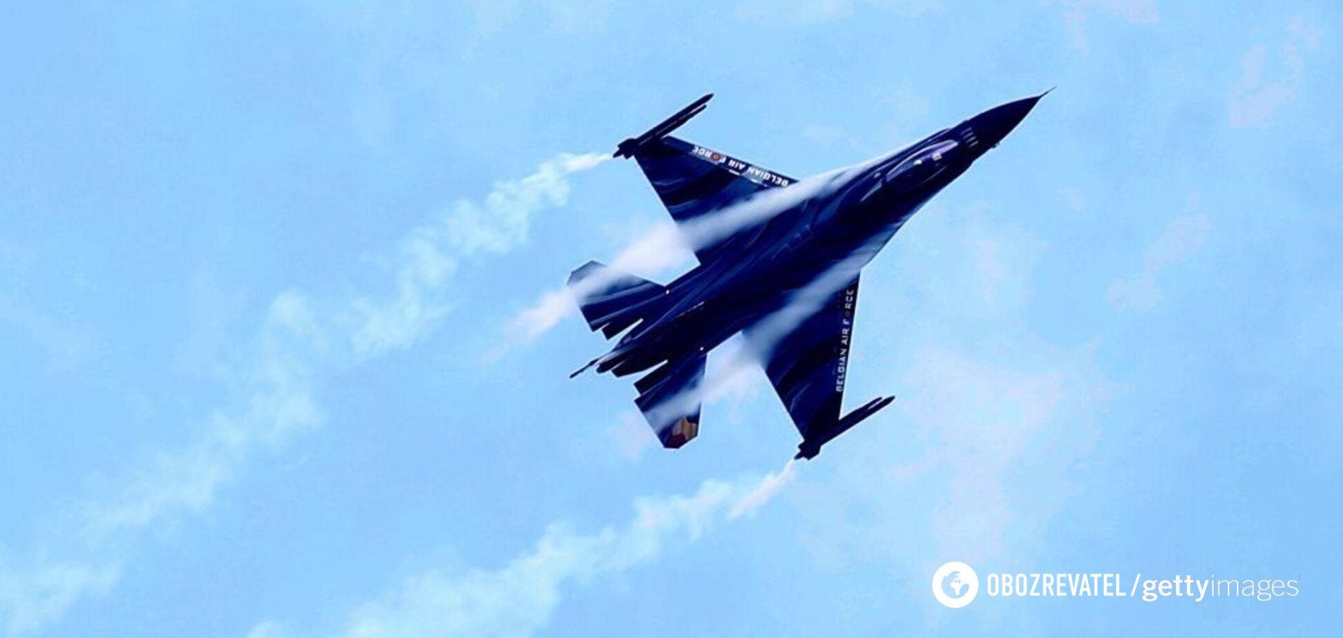 Біля кордонів Росії терміново підняли в повітря винищувачі НАТО