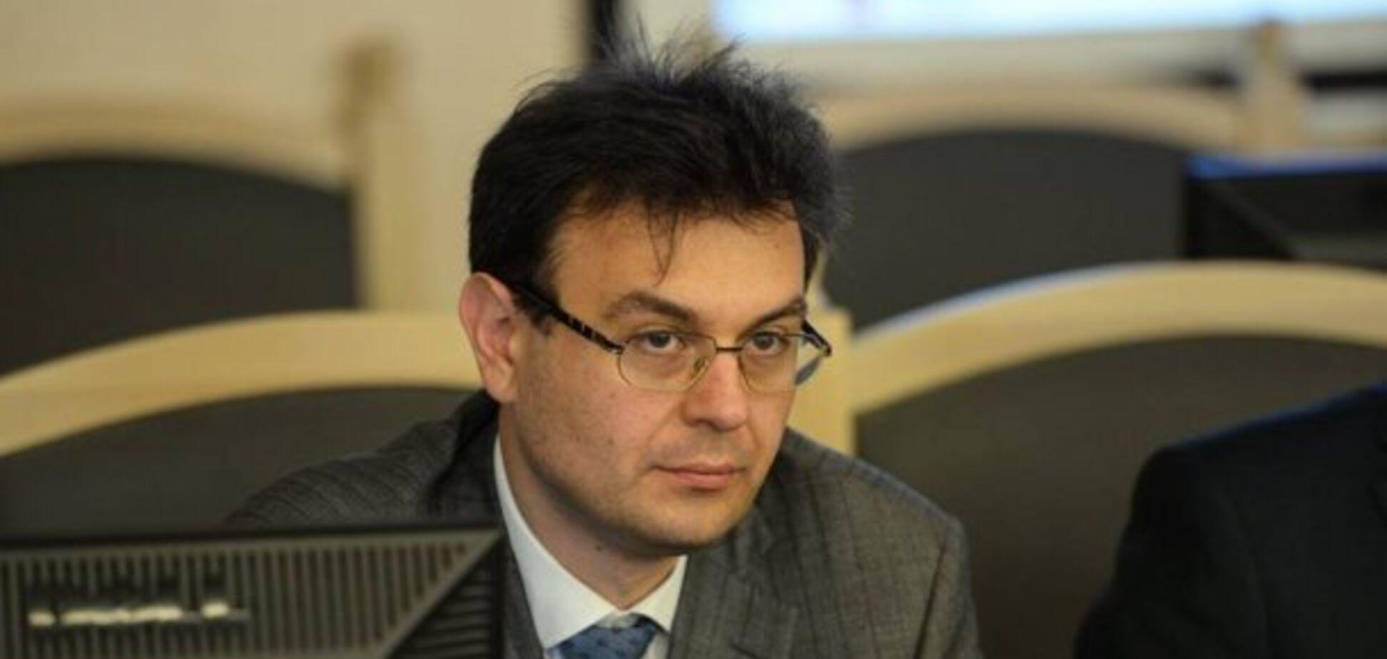Голова фінансового комітету Ради Гетманцев був помічником Сівковича — розслідування