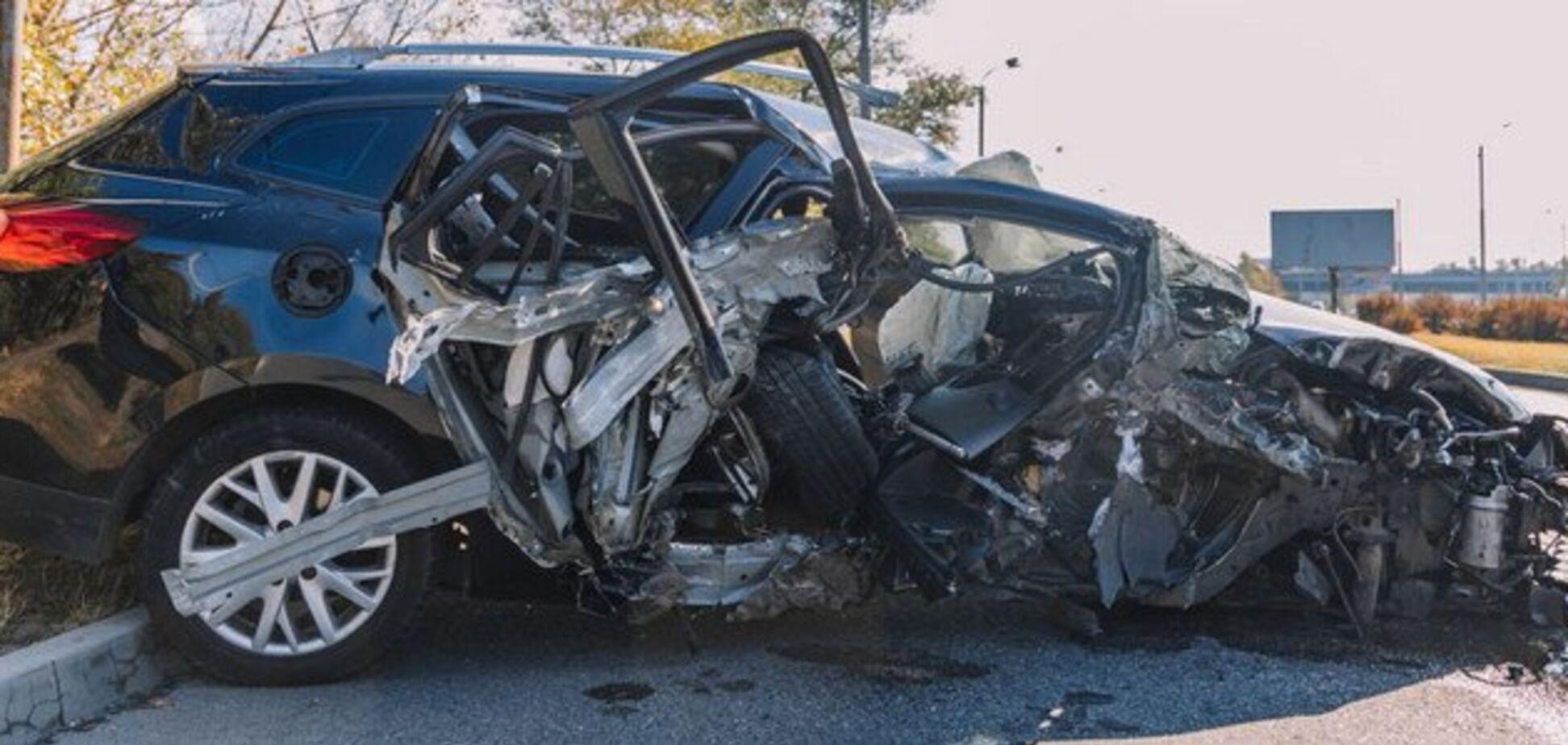 Авто превратилось в груду металла: в Днепре произошло страшное ДТП