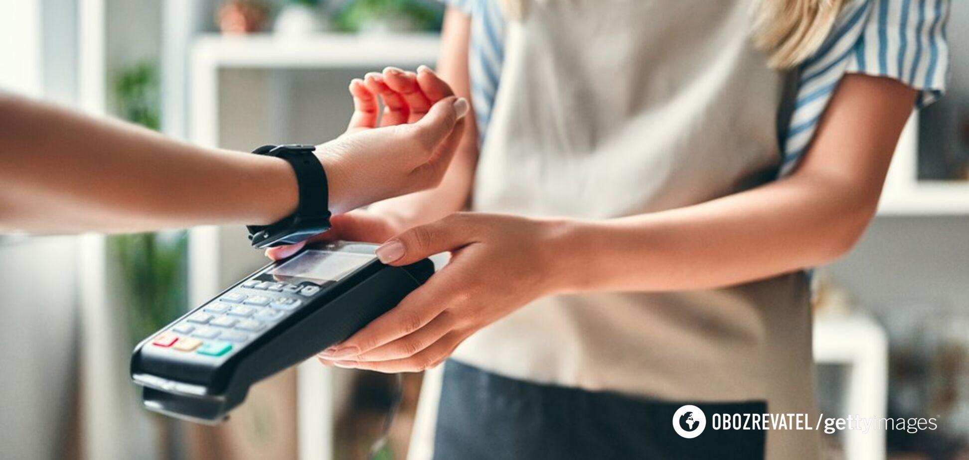 Платіжна революція: Україна першою в світі ввела безконтактні кредити
