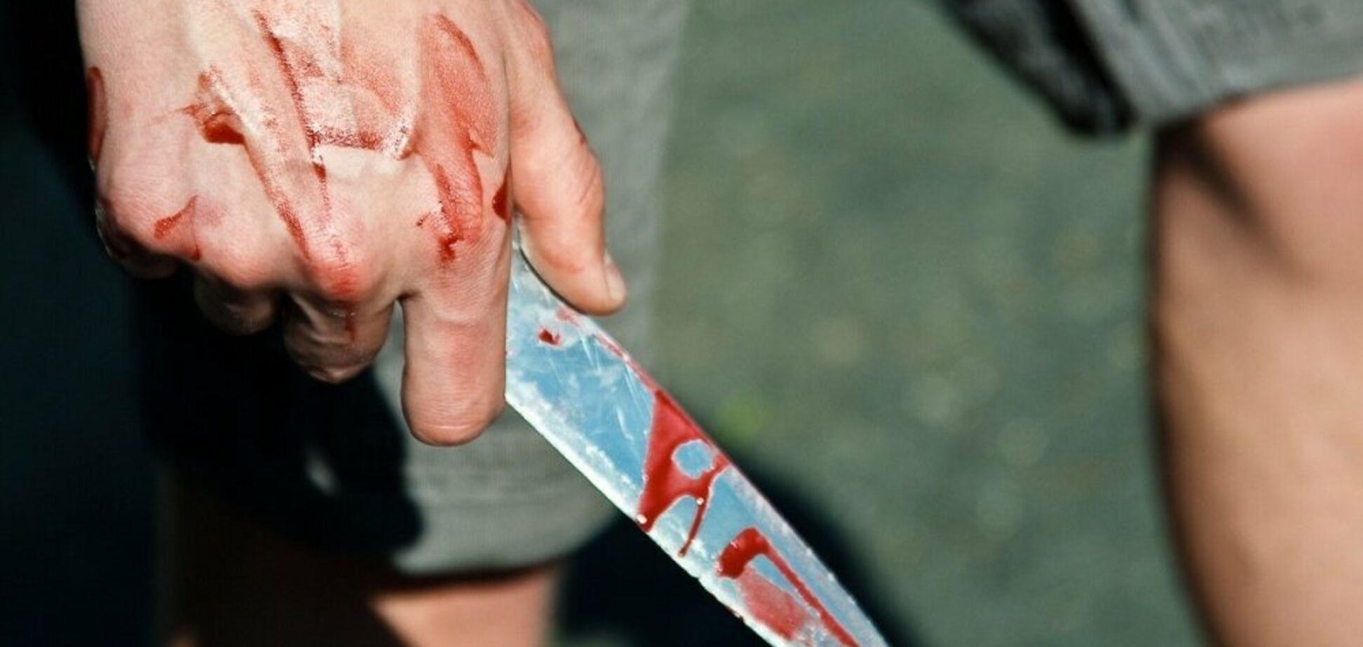 В Днепре пьяные подростки напали на мужчину с сыном