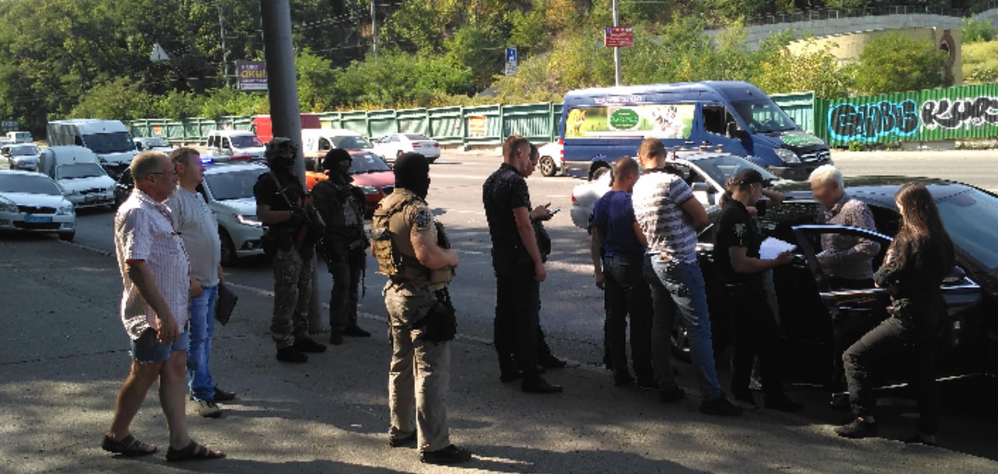 У Києві затримали фальшивого поліцейського