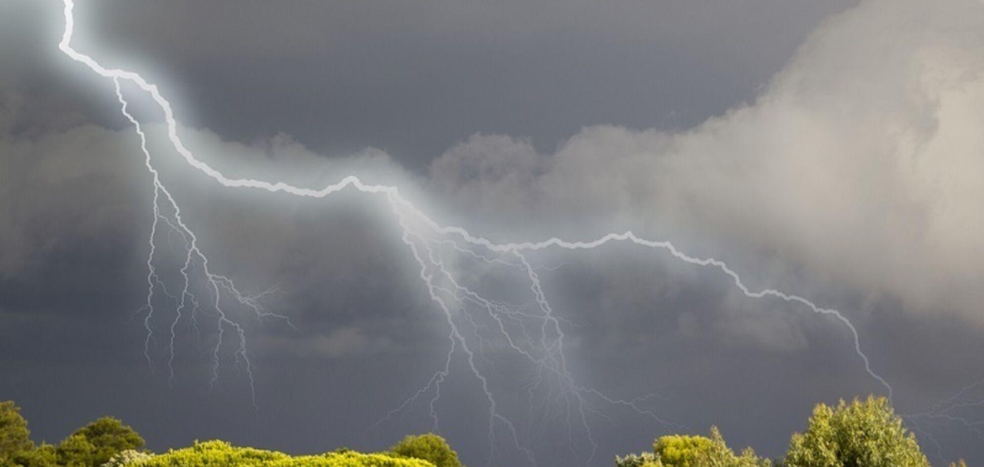На Україну насувається буря з градом: названі регіони у зоні ризику