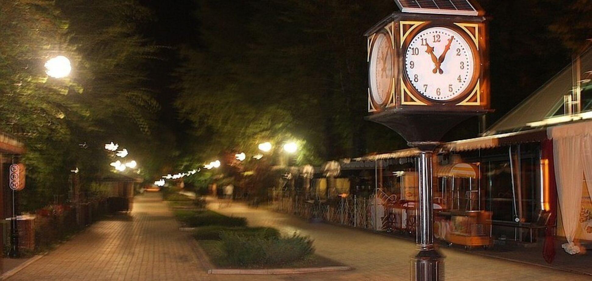 У 'ДНР' раптово скасували комендантську годину: що відомо