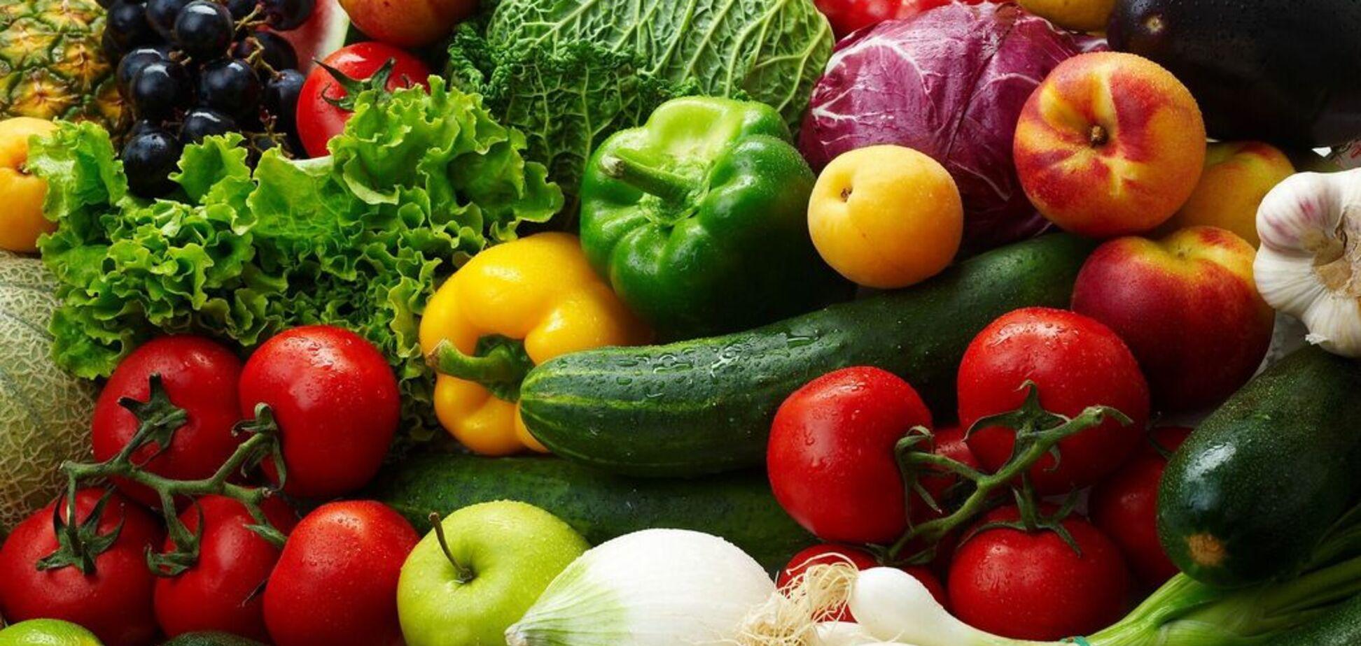 Евросоюз внезапно запретил поставки украинских фруктов: в чем дело