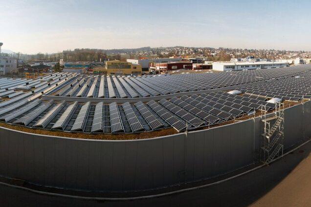 Сонячна електростанція в місті Базель, Швейцарія