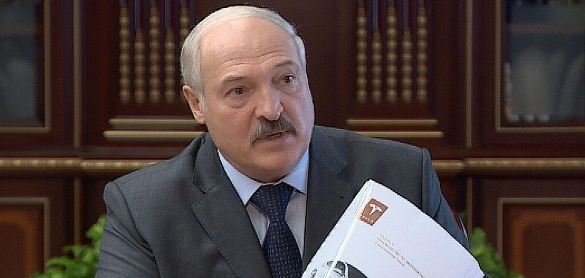 'Моя Tesla може злетіти': Лукашенко похвалився подарунком від Ілона Маска