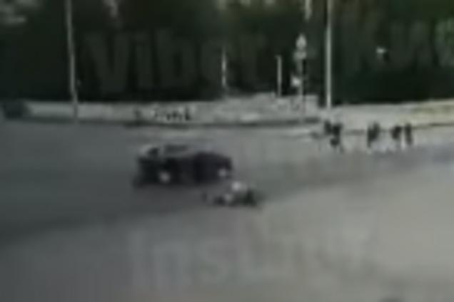 У Києві мотоцикл влетів у автомобіль