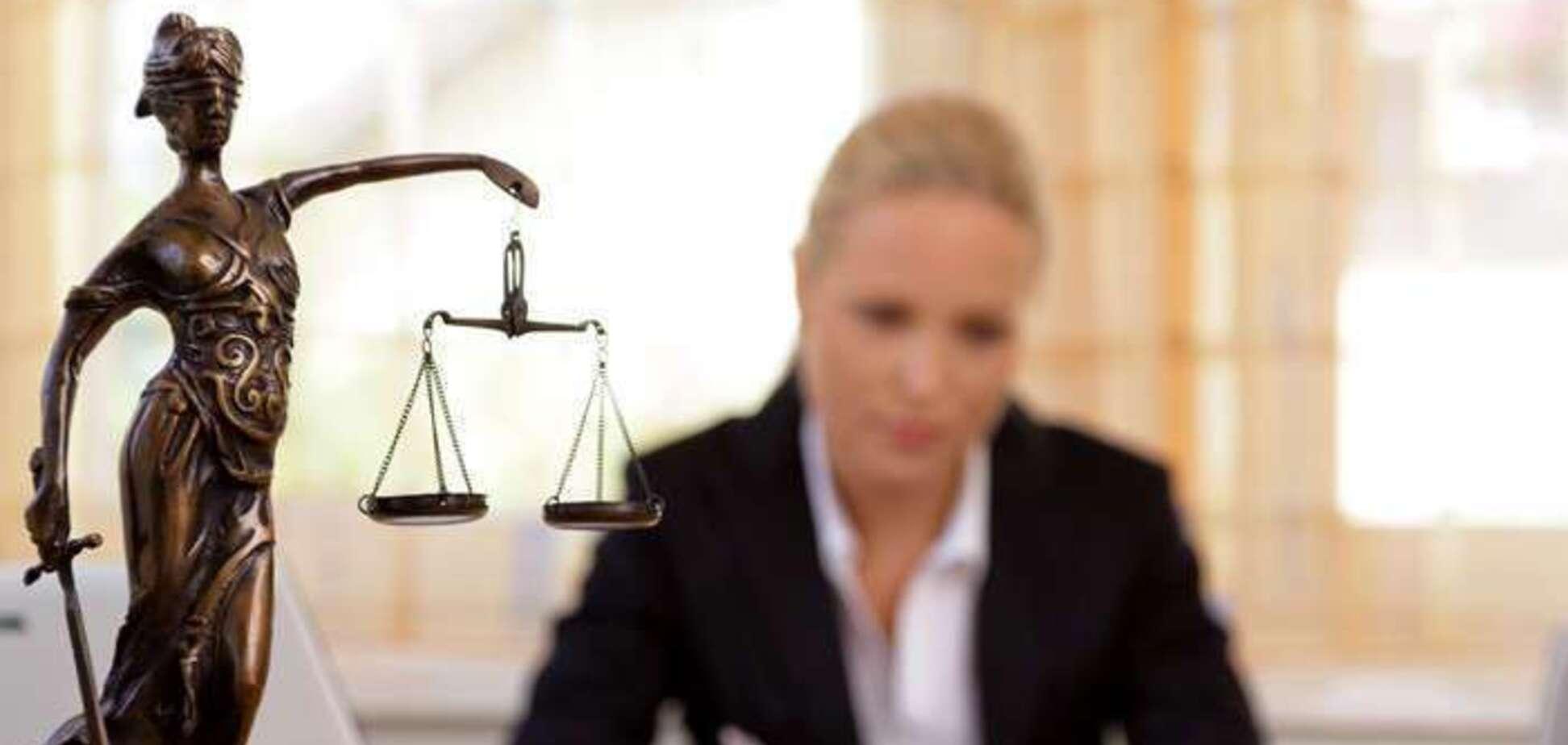 Прощання з адвокатською монополією