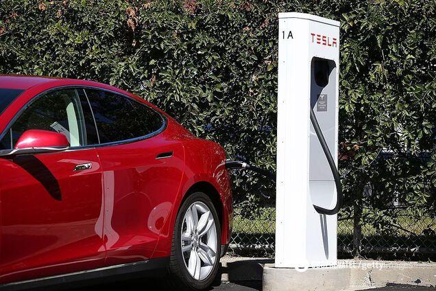 Зарядна станція Tesla