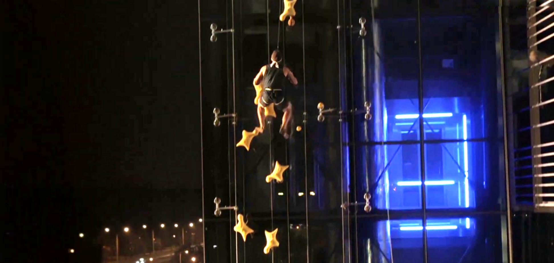 Спортсмен-экстремал победил лифт: эффектное видео