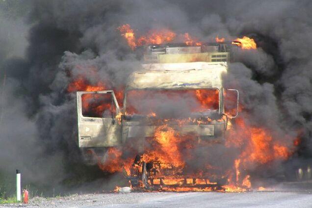 У Дніпрі на ходу загорілася вантажівка