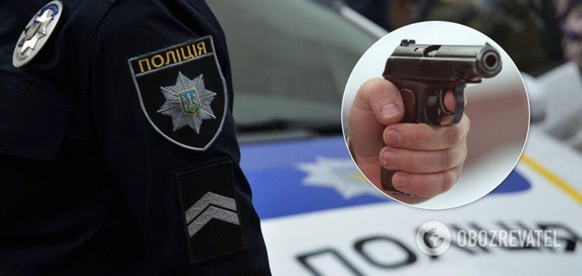 У Києві посеред вулиці стріляли в перехожого
