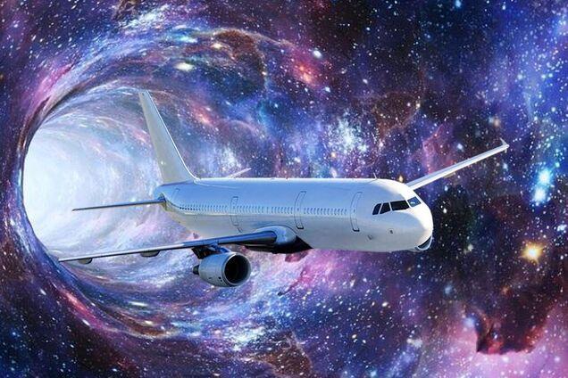 Літак здійснив подорож у часі