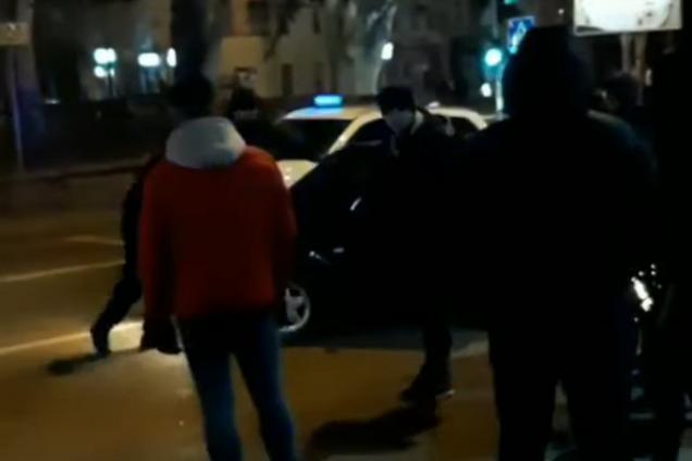 В Николаеве устроили расправу над пьяным водителем