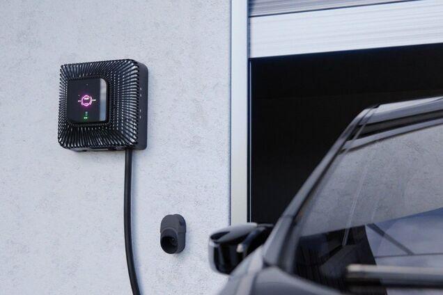 Зарядний пристрій Quasar для електромобілів від компанії Wallbox