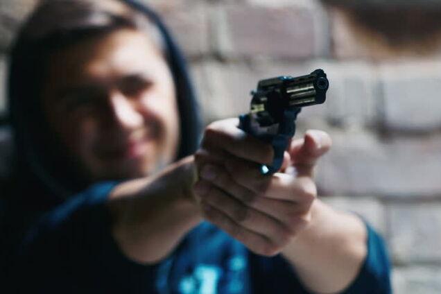 Подросток из Днепра устроил стрельбу