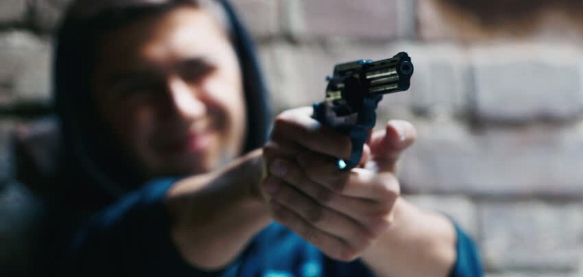Підліток влаштував стрілянину посеред вулиці в Дніпрі: подробиці