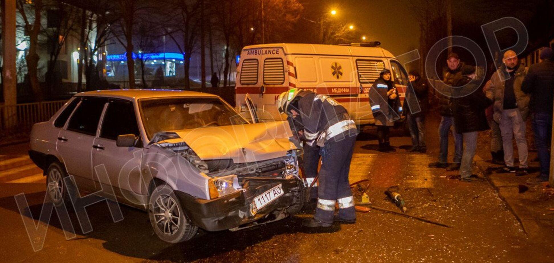 В Днепре машина с детьми попала в жесткое ДТП. Фото и видео