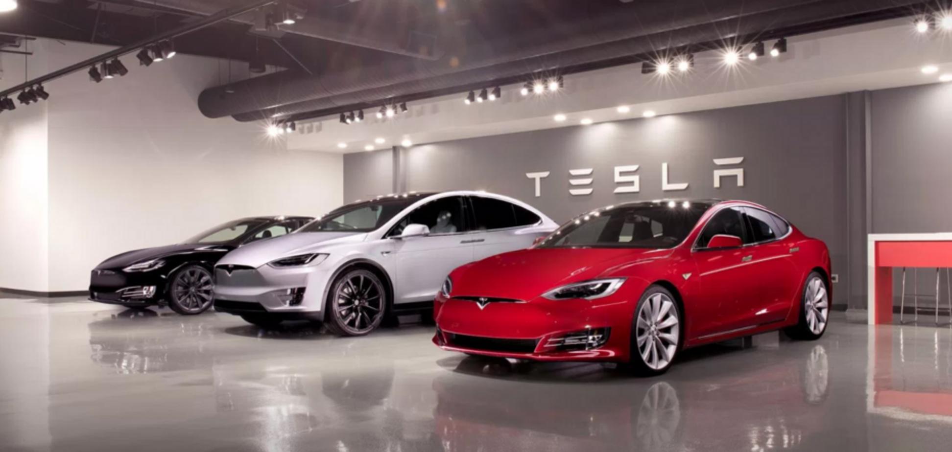 Tesla предложила взломать свои авто за крупную сумму: хакеры получат ряд испытаний