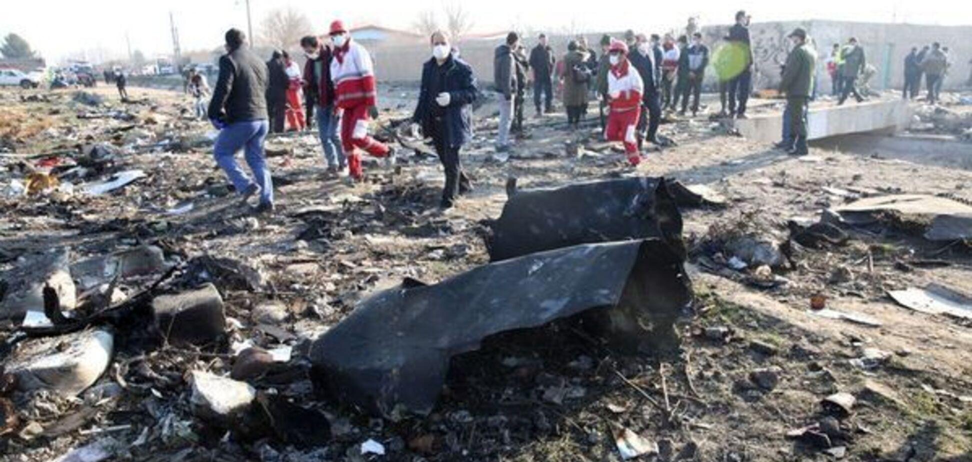 В Ірані дістали 'чорну скриньку' з літака МАУ: в мережу потрапило відео