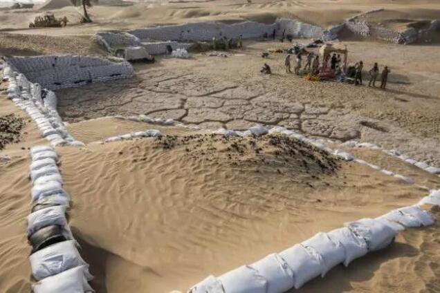 Залишки стародавнього поселення Саруга Аль-Хадід