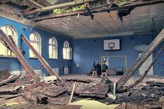 Замість дитячого сміху – зловісна тиша: з'явилися фото зруйнованої 'русскім міром' школи в Донецьку