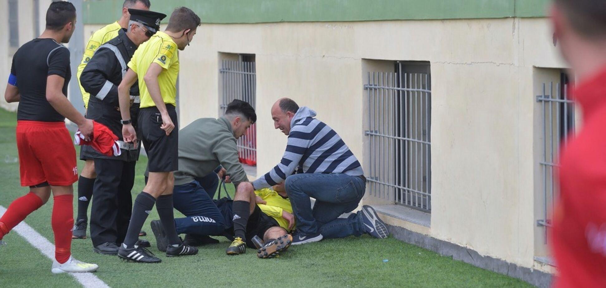 Футболист обиделся на карточку и отправил арбитра в нокаут, продолжив избивать на земле