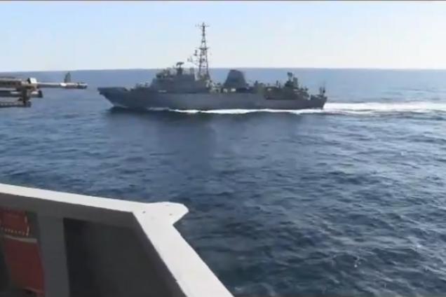 Корабль РФ чуть не столкнулся с эсминцем США