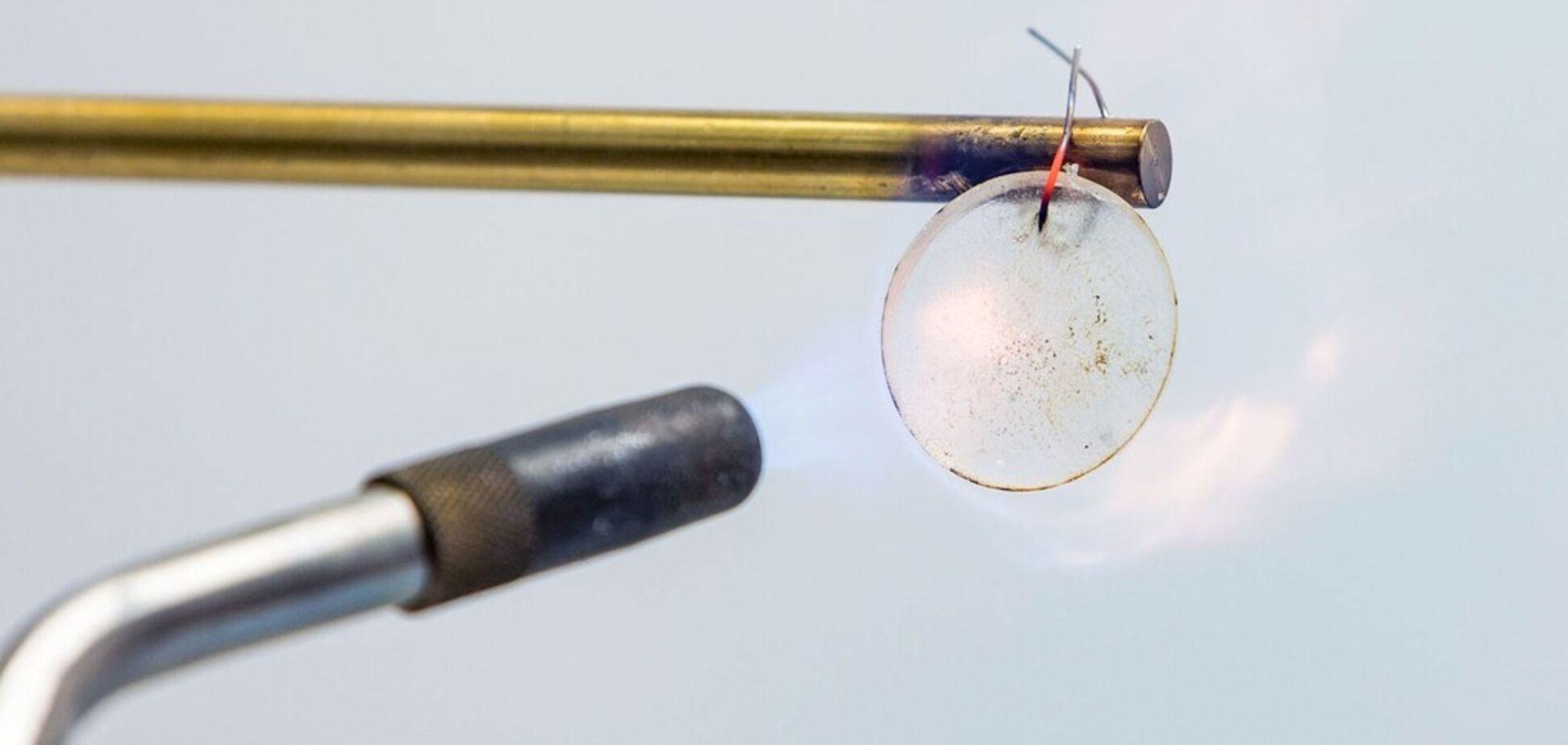 Спалювати, топити і розстрілювати: в США вчені створили надміцні батареї
