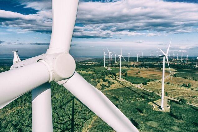 """Перехід країн світу на """"зелену"""" енергетику: озвучено ціну питання"""